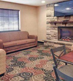 Cobblestone Inn – Suites